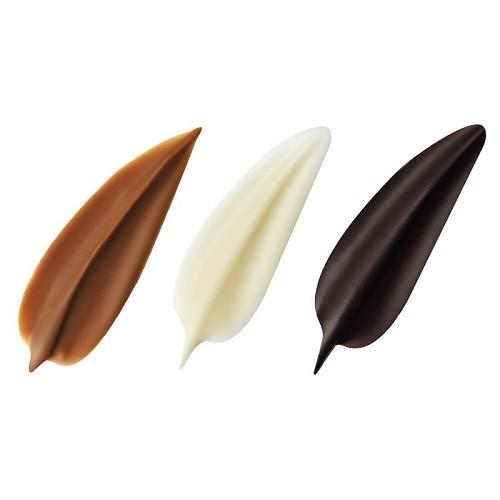Afbeelding van Dobla Chocoladedecoratie blaadjes wit, melk en puur 160st.